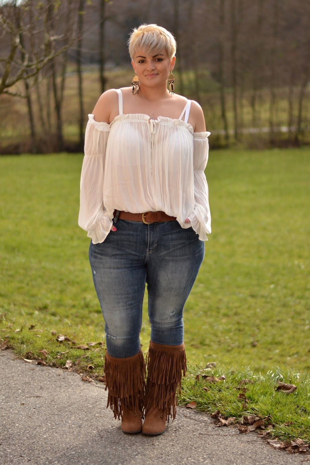 59bcca40b64 Plus Size Fashion - Curvy Claudia  Sheer Blouse and Fringe Boots