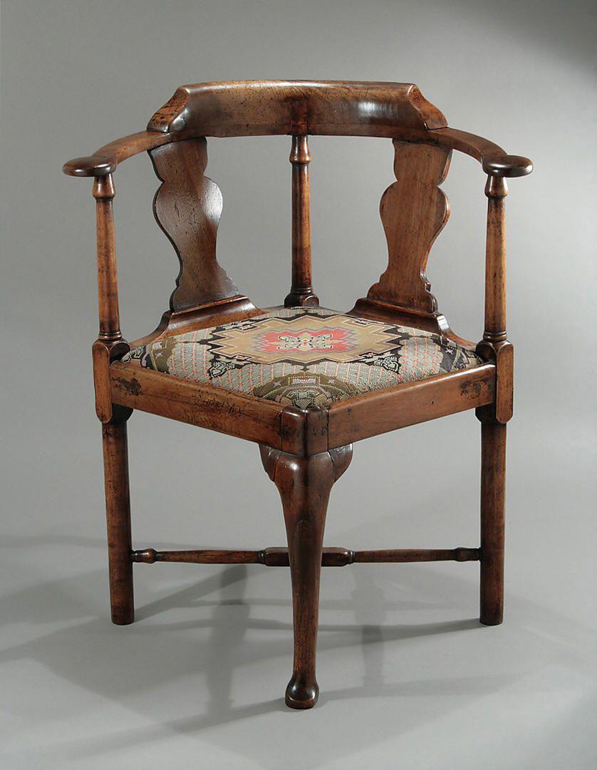 Antique corner chairs - Queen Anne George I Walnut Corner Chair England C1710 1715 M
