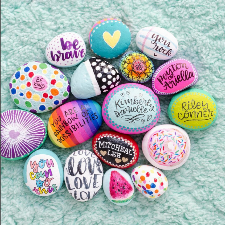 Best Easy Painted Rocks Ideas For Beginners Rock Painting Inspirational Stone Art Diycorners Com Painted Rocks Painted Rocks Diy Rock Crafts