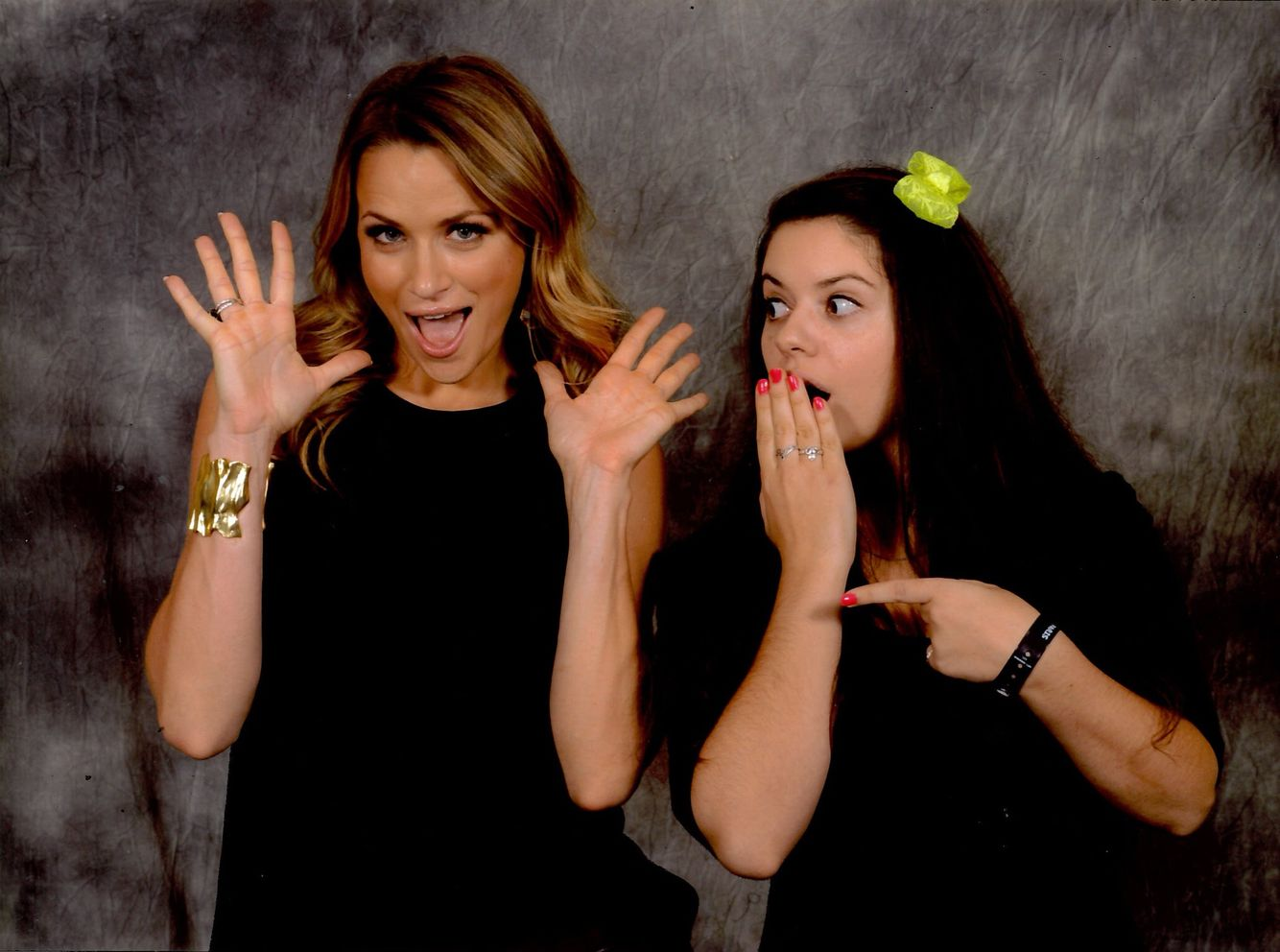 "20.10.2013: Shantel VanStaten is amazing! She is game for anything. She is so simple and kind. And really goofy too. :) Meeting her was so great because of all that. This is the funniest pic I took that weekend, I love it. She stepped in when Sophia Bush annonced she could not be with us that weekend. I love Sophia. Brooke and Nathan are my favorite characters of the show. But I was really happy when Shantel was announced as a guest. I coudn't have asked for a better ""replacement"". :)"