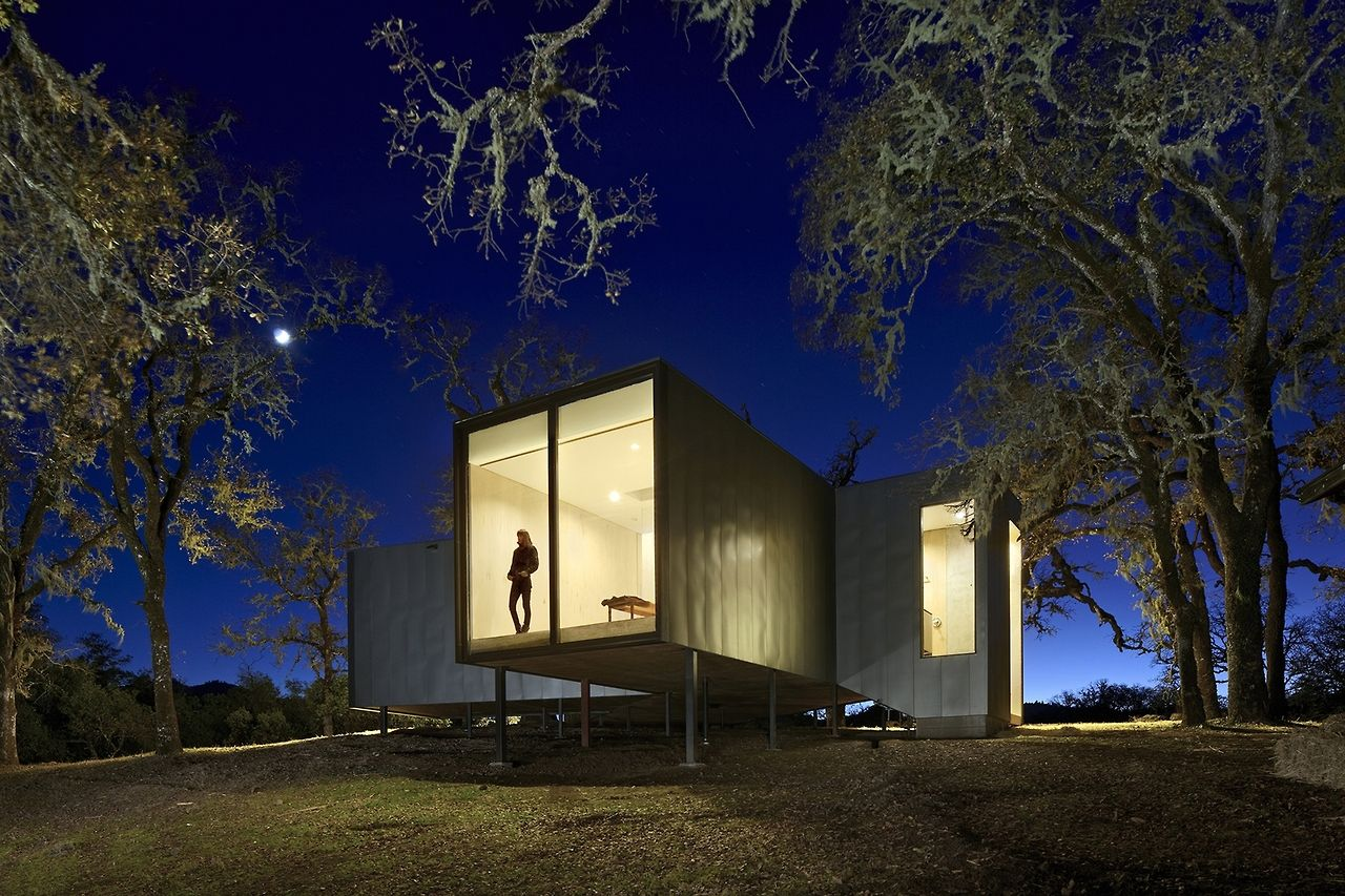 Day and night views with Moose Road Residence by Mork Ulnes Architects