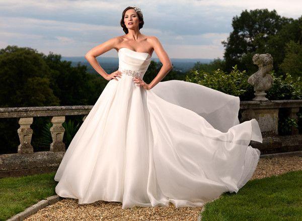 24 Fantastic Wedding Dresses For Your Fantastic ntertainment
