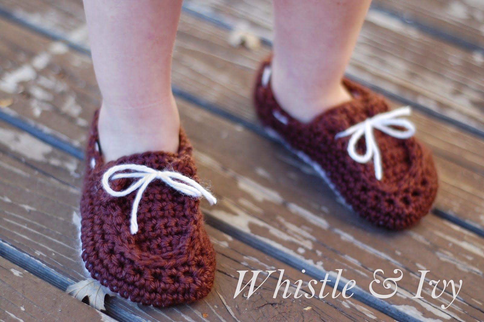 Toddler Boat Slippers - Free Pattern #crochet #freecrochetpattern - Caron Simply Soft yarn