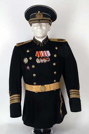 c4171ddc6 M1943 Parade Uniform of a Soviet Vice Admiral | Soviet and Commie ...
