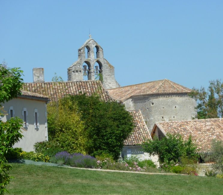 Monteton église romane du XIIe siècle,