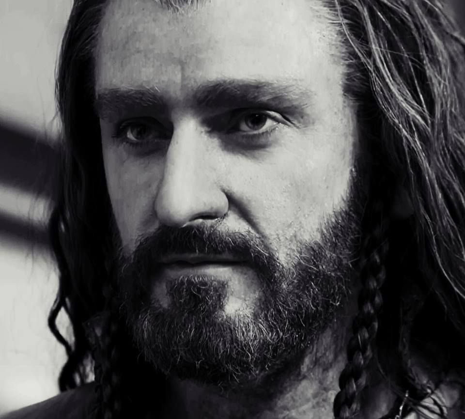 If you think that his amazing portrayal of Thorin Oakenshield is undeservedly underrated-you can do something by helping him to get at least this award! Just don't forget to vote,my friends!More than once! http://www.empireonline.com/awards2014/