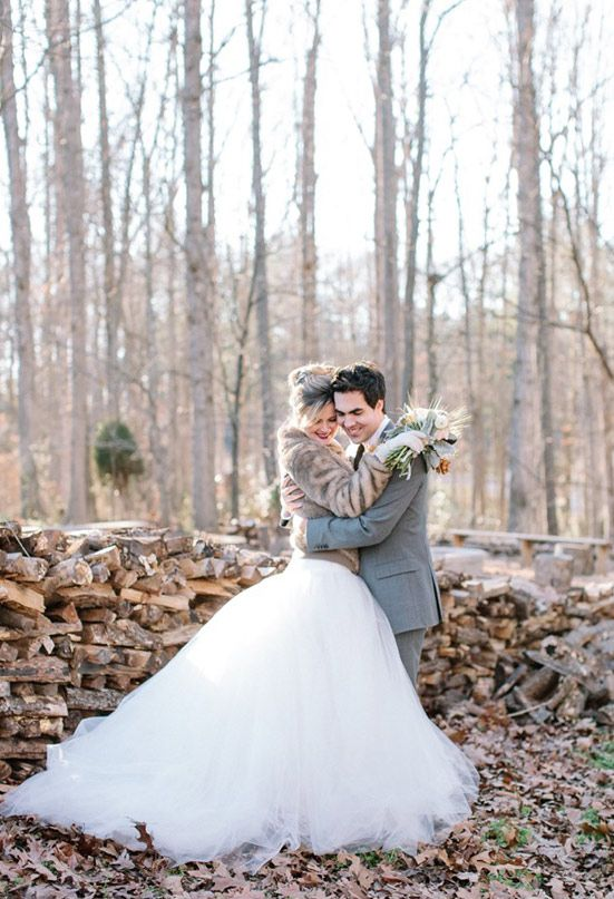 Gold winter wedding inspiration capes coats and cover ups winter wedding ideas junglespirit Images