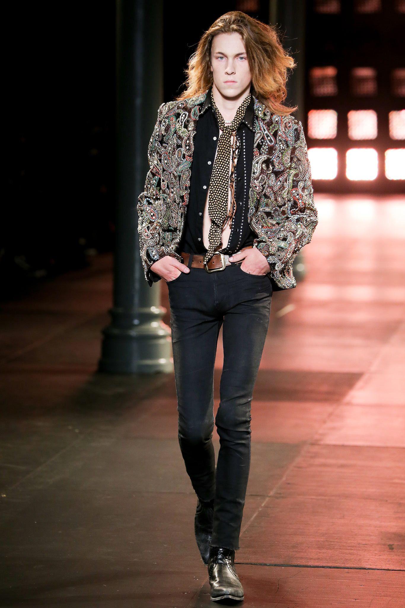 Style celeb a gossip roundup 9, Fashion Spring Trend: V-Neck Tees