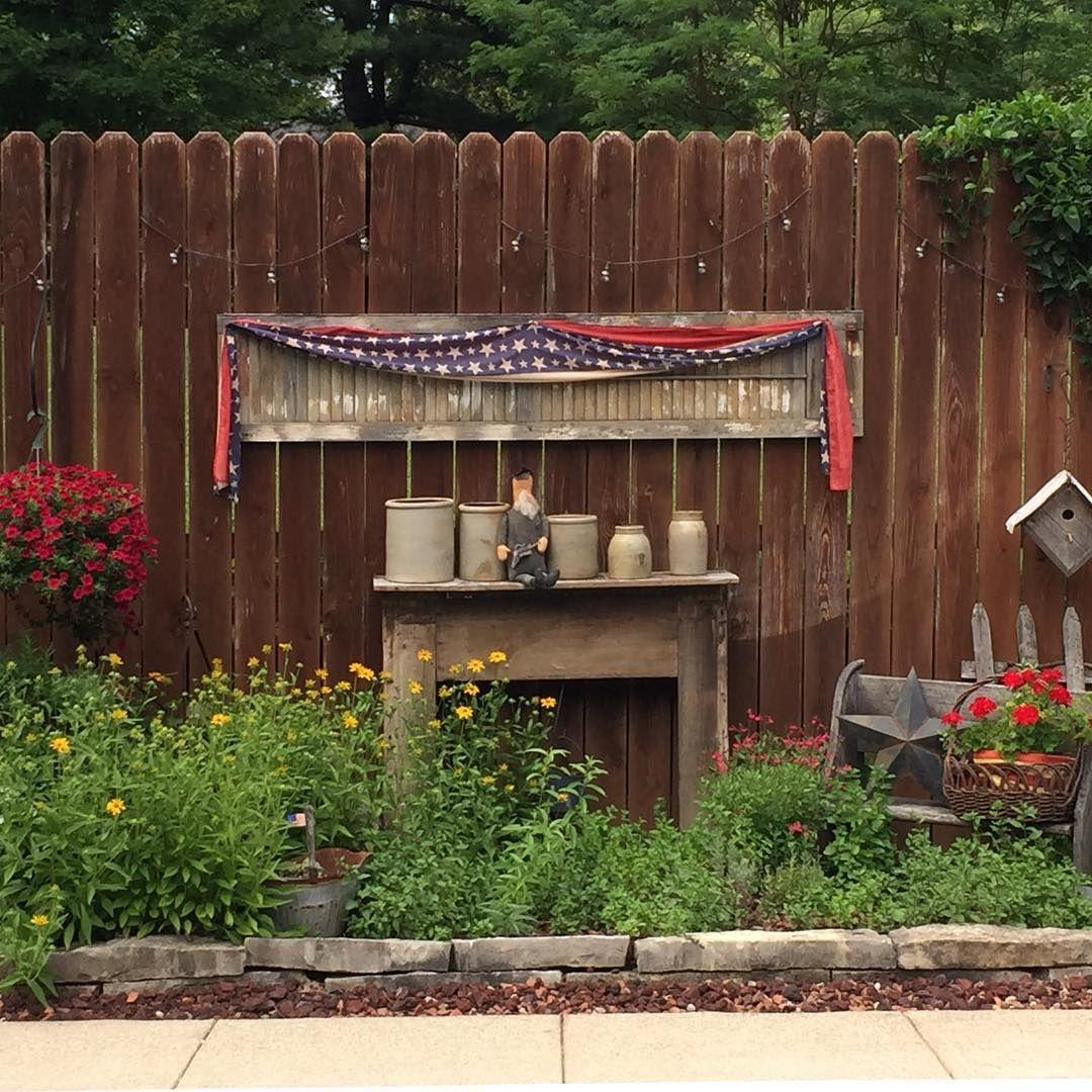 A Simple Life Magazine On Instagram Garden Love In Ohio Asimplelifemagazine Gardening Thebuckeyestate In 2020 Outdoor Decor Country Gardening Garden Projects