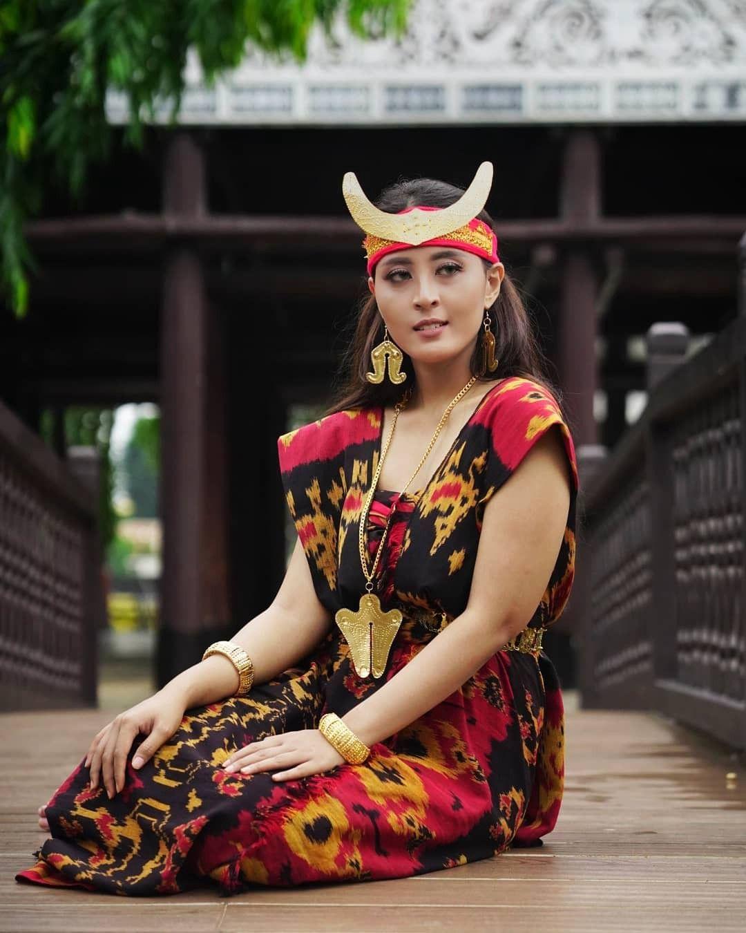 Pakaian Adat Dari Kalimantan Timur