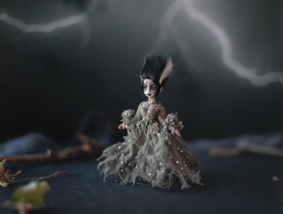 Half scale handcrafted Frankenstein's bride doll. Gothic miniature #bridedolls