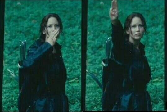Tenes que saludar a todos tus parientes y vos tipo... You have to say goodbye at all your family and you are like...