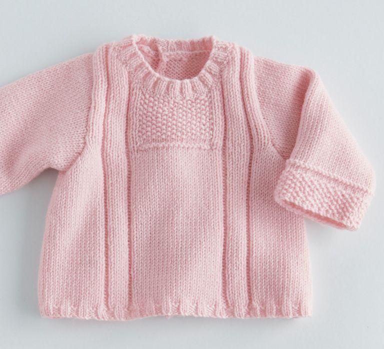 53776892a461 Mixez les points de tricot pour cette brassière unie idéale pour les  premiers mois de bébé. Modèle en laine et alpaga uni, col rond et point  fantaisie sur ...