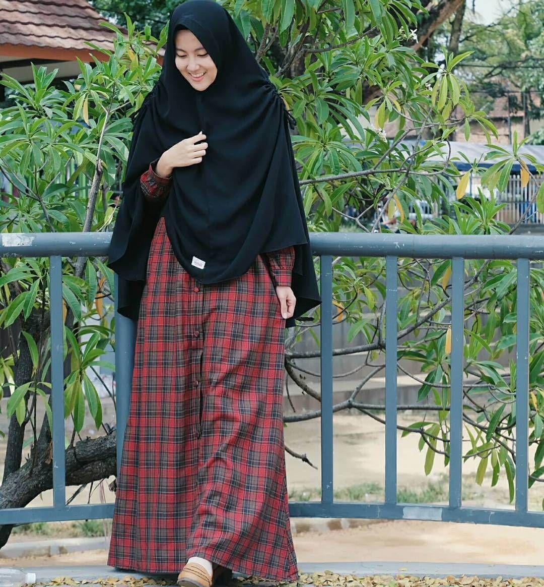 Pin By Tausiyah Cinta On Tausiyahcinta In 2018 Pinterest Hijab Ada Fashion Kaos Wanita Lengan Pendek Motif Great Things Navy Xl Muslim Muslimah Dress Outfit
