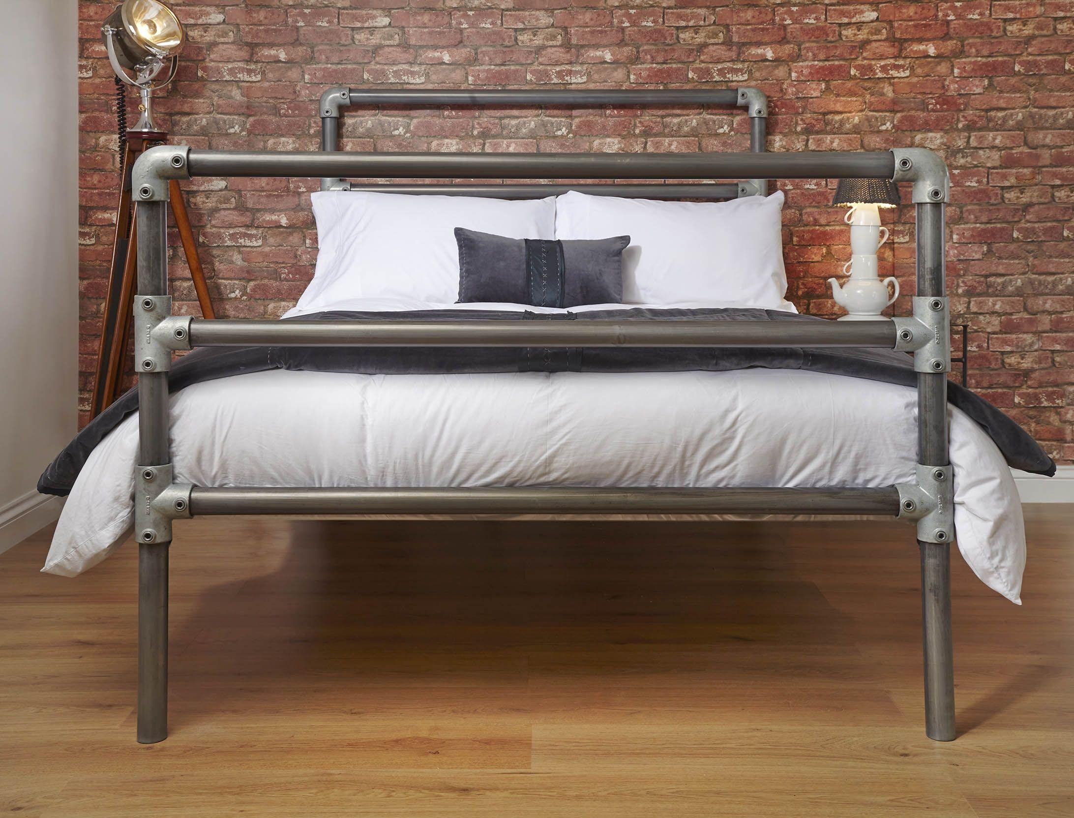 diy pipe bed frame porcelain tile wall decor - Diy Pipe Bed Frame