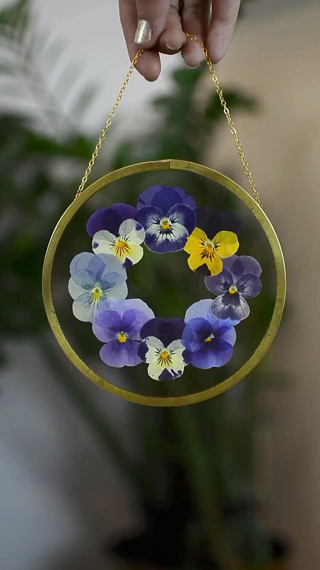Pressed Flower Frame Framed Pressed Flowers Floating Frame Dried Flower Pansy Round Double Glass Frame Video Video In 2020 Dried And Pressed Flowers Pressed Flowers Pressed Flower Crafts