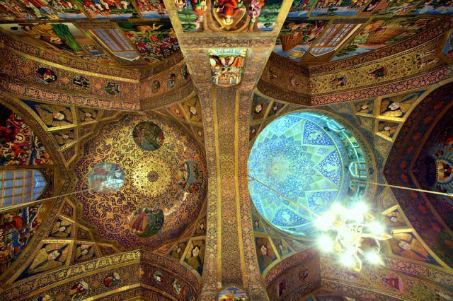 Different style painting domes, Vank Cathedral, Isfahan. Image courtesy Nuria Arfa