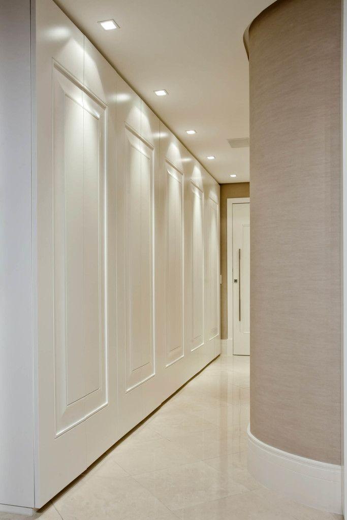 Boiserie a arte de emoldurar paredes home e decora ao for Idea de pintura de corredor