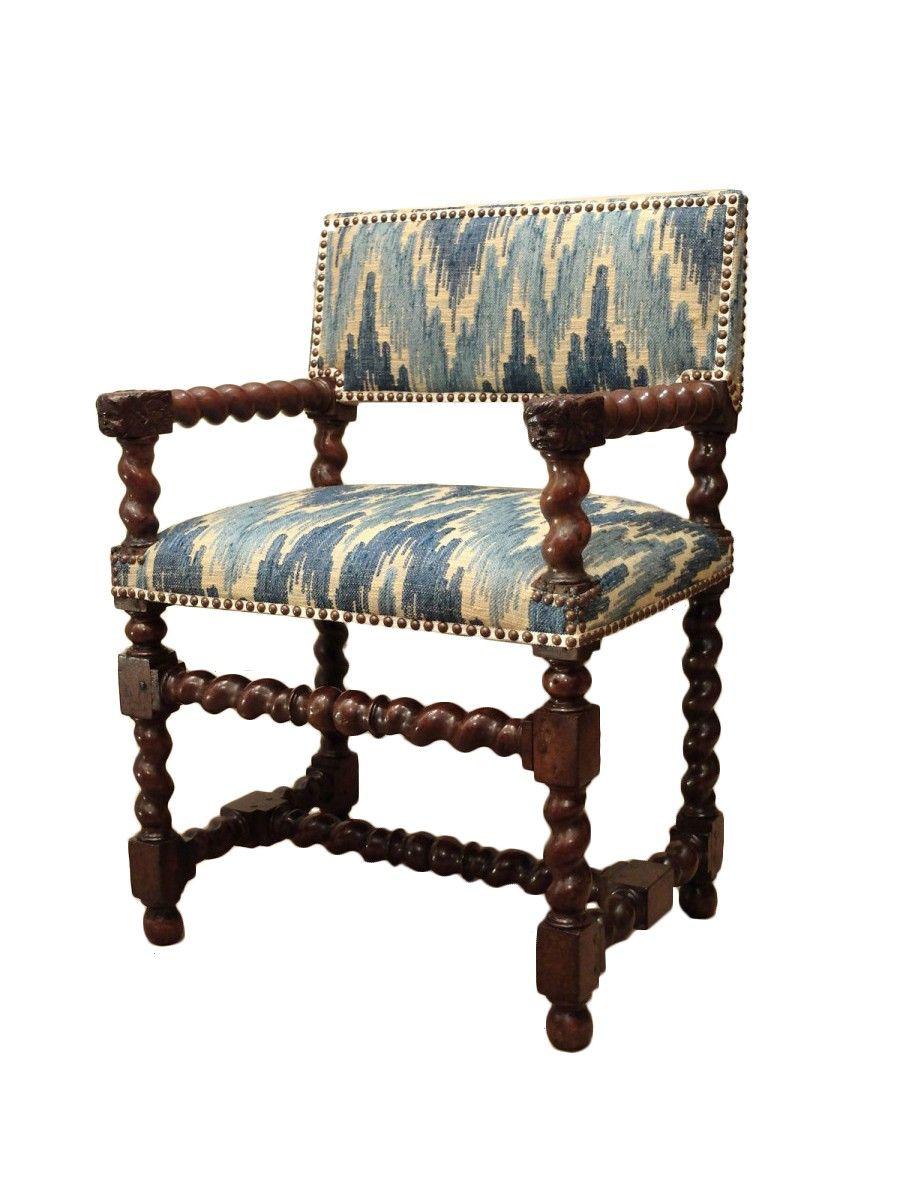 Chaise A Bras D Epoque Louis Xiii Aux Tetes D Anges Meuble De Style Tete D Ange Mobilier De Salon