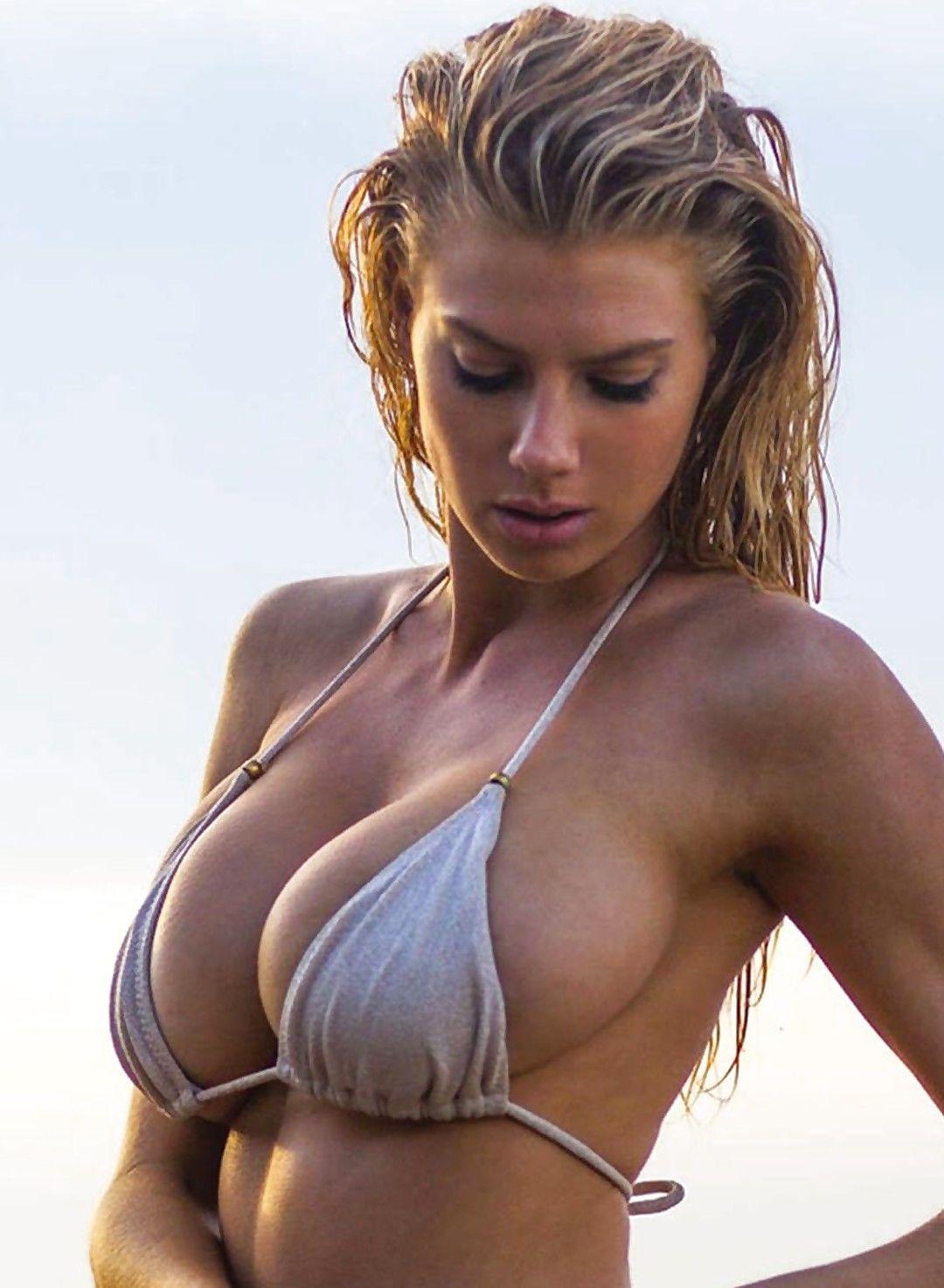 charlotte mckinney boobs