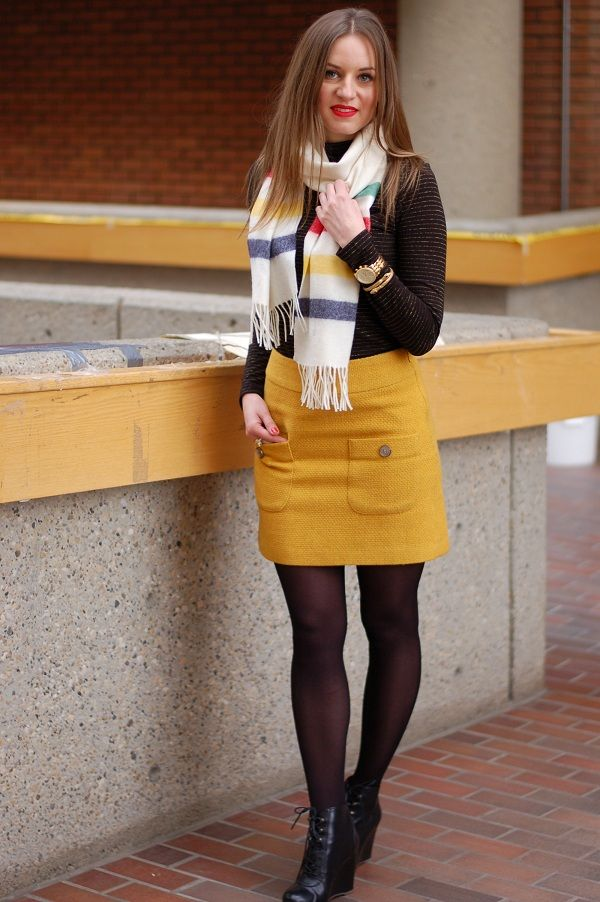 how to wear mustard colored tights