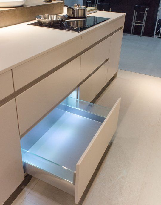 Kitchen Drawers That Light Up From Leicht Kbb London 2013