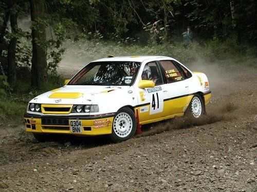 Opel Vectra Vauxhall Cavalier Rally Car