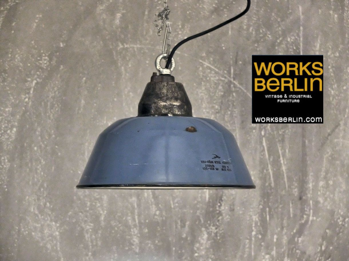 Restaurierte Emaille Fabriklampen