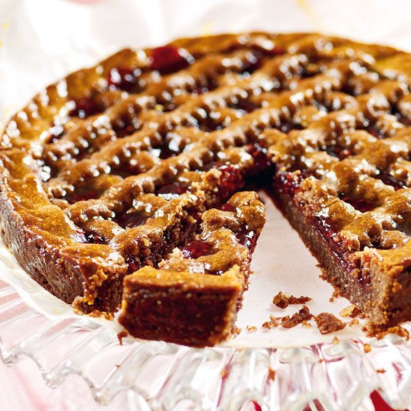 Linzer torte mit pflaumenmus