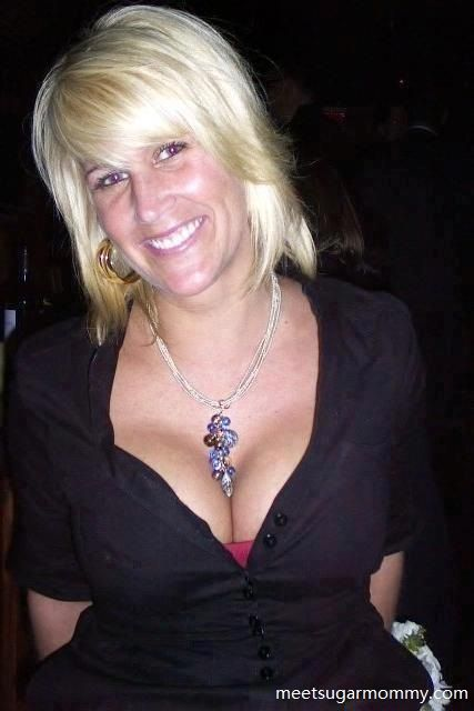 wallula cougar women Cougar, milf, mature, mom, granny, gilf and much more.
