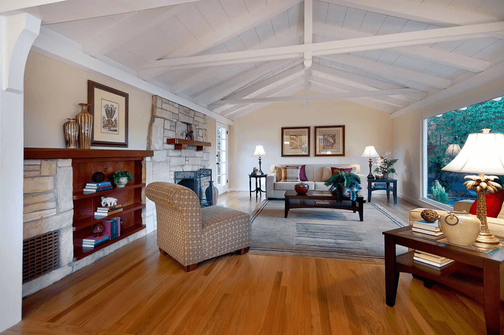 Large Wall With Vaulted Ceilings Decoration Ideas Ranch House Designs Ceiling Design Living Room Ranch House