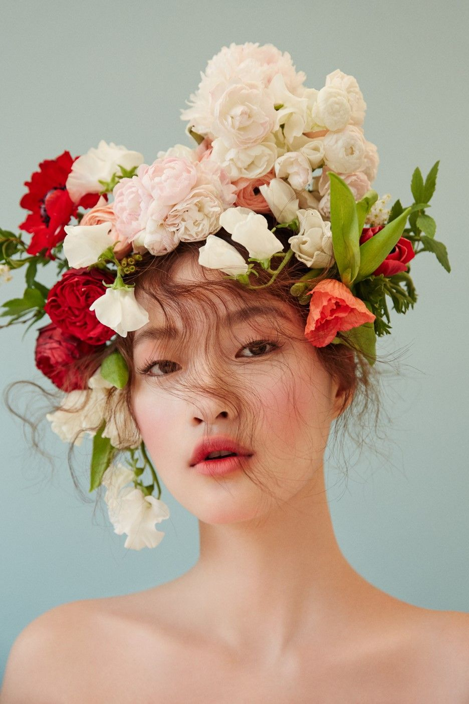 Seo Yoo Jin by Shin Seon Hye for Singles Korea Apr 2017