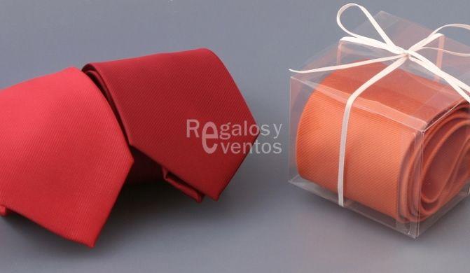 #detalles de #boda para hombres. #Corbatas color rojo y naranja