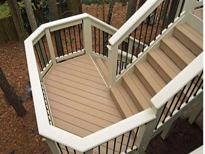 Lovely 13 Extraordinary Deck Stairs With Landing Design