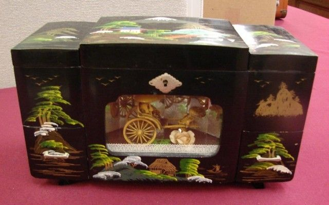 174 Vintage Chinese Black Lacquer Jewelry Music Box All