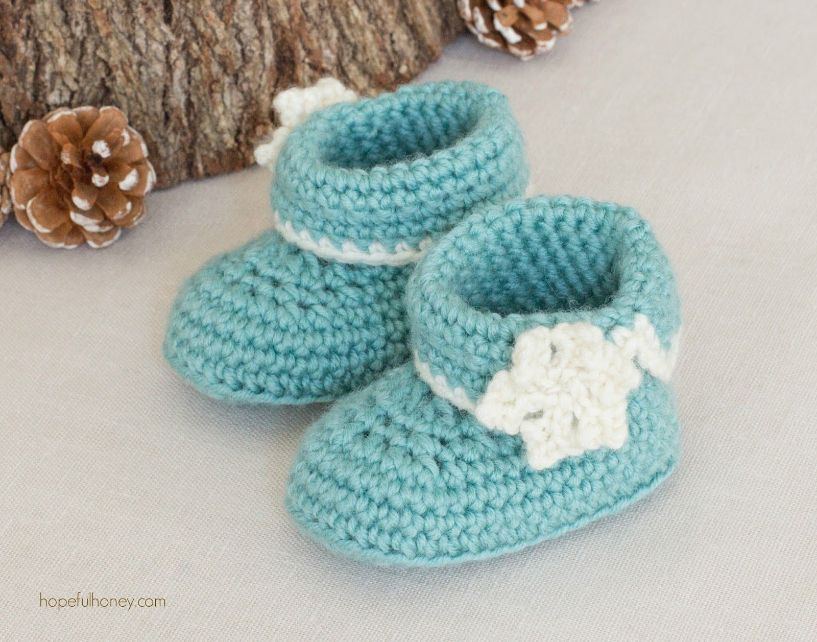 Winter Wonderland Baby Booties - Crochet Pattern + Giveaway ...