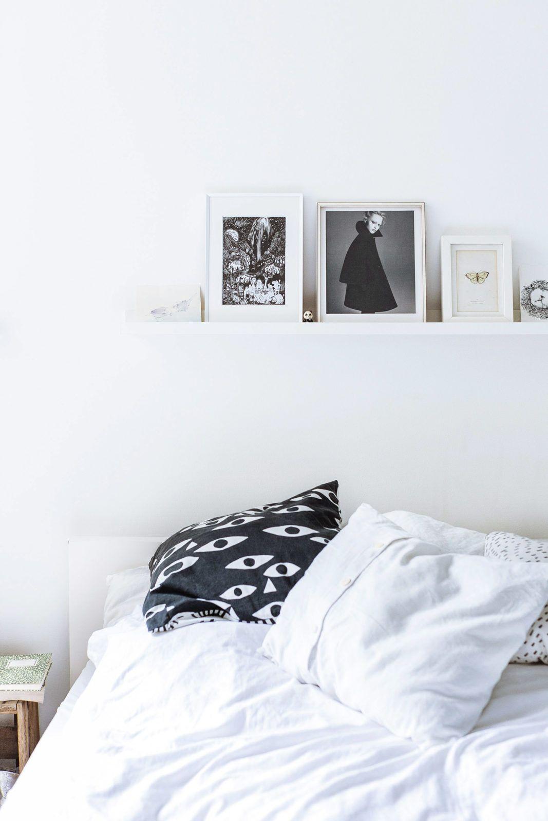 Homestory Mit Anna Von Femtastics. Interior Inspiration: Minimaltisches  Schlafzimmer Mit Weißer Bettwäsche, Weißen