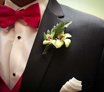 Wedding Arrangement in Naples FL, Posies, great boutonniere for the groom
