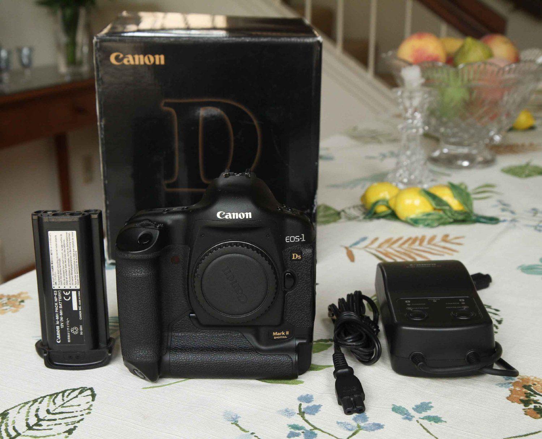 Canon Eos 1ds Mark Ii 16 7mp Digital Slr Camera Body Only Digital Slr Camera Canon Eos Dslr Camera Reviews