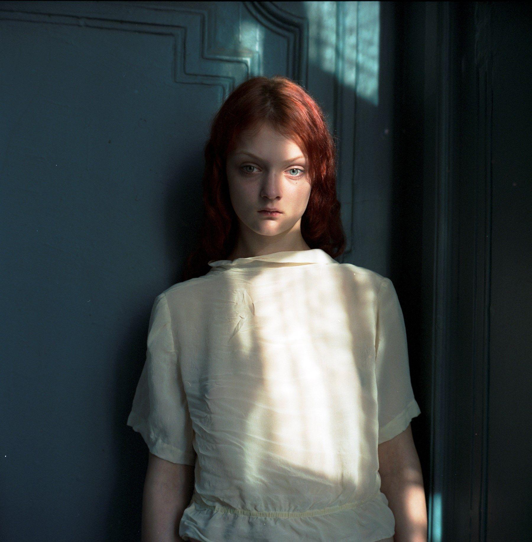 Pin by Arroyo on Hellen Van Meene Portrait girl