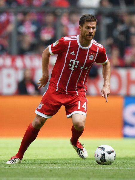 Xabi Alonso Photos Photos Bayern Muenchen V Sc Freiburg