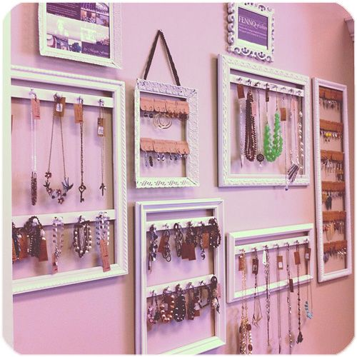 DIY Picture Frames turned Jewelry Displays Tutorial Jewellery