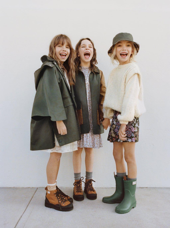 Contrasting Corduroy Cape With Waxy Finish Zara United States In 2020 Zara Kinder Modestil Babymode