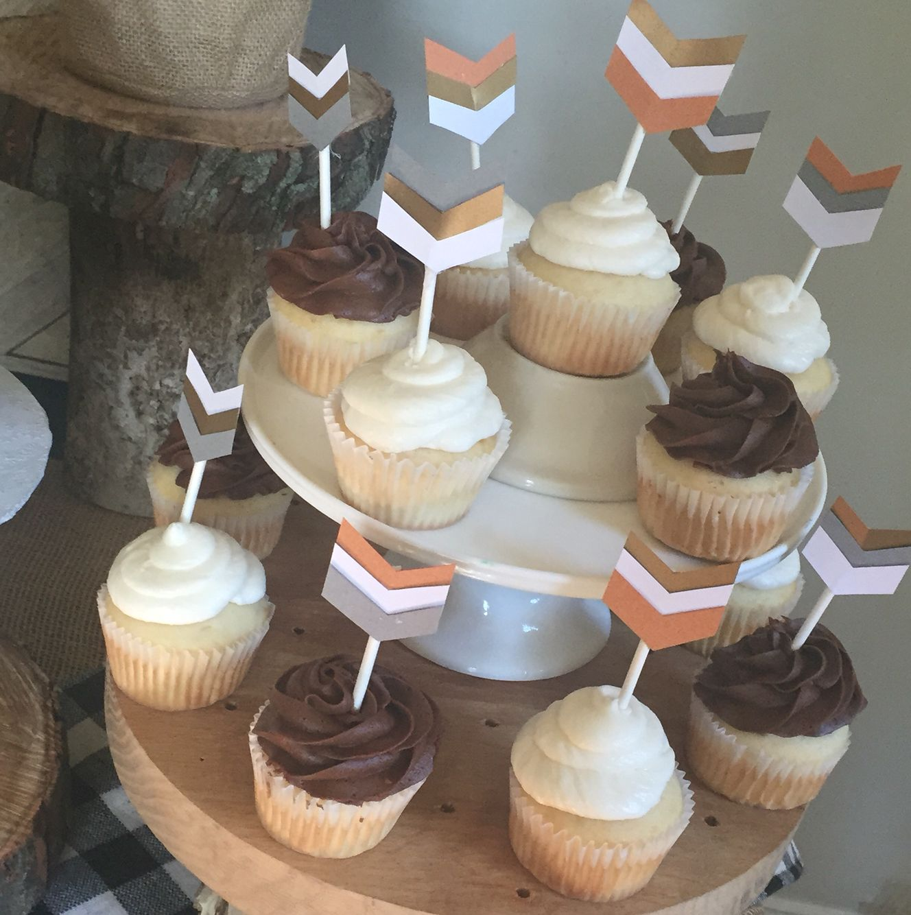 Arrow cupcakes.