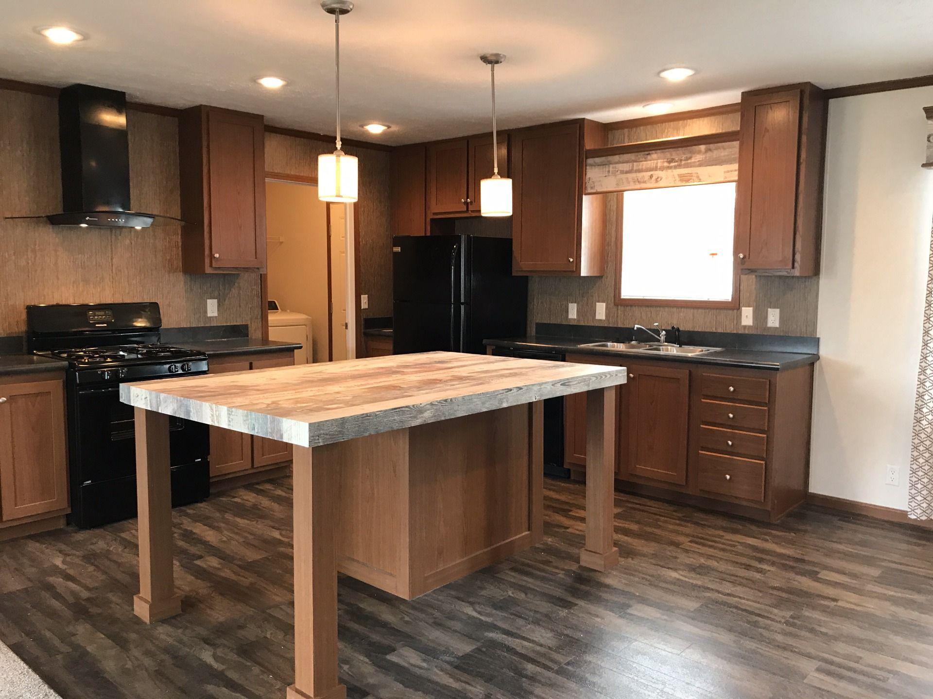 2017 Clayton Mobile / Manufactured Home in New Boston, MI
