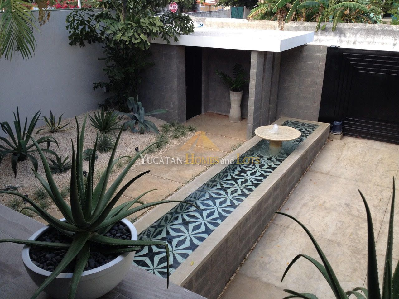 Mid century modern house for sale in Merida Yucatan Mexico 14