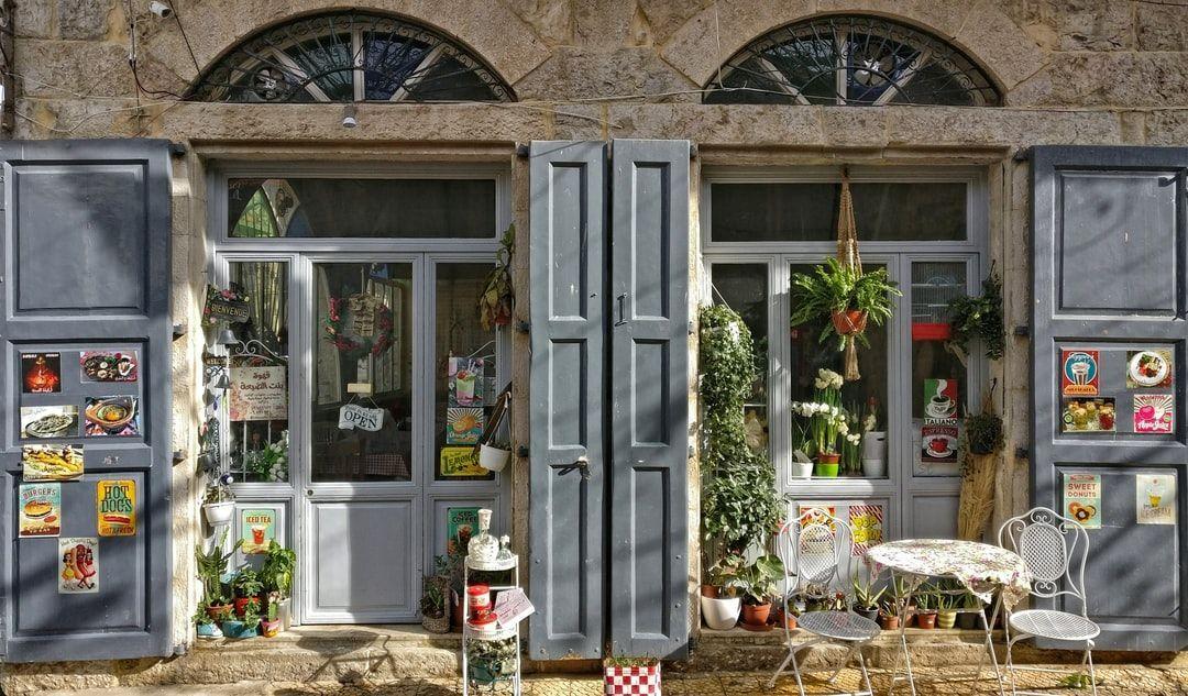 Photo of #flora #jar #chair #gray #wooden #doors  gray wooden doors I went up with my fri…