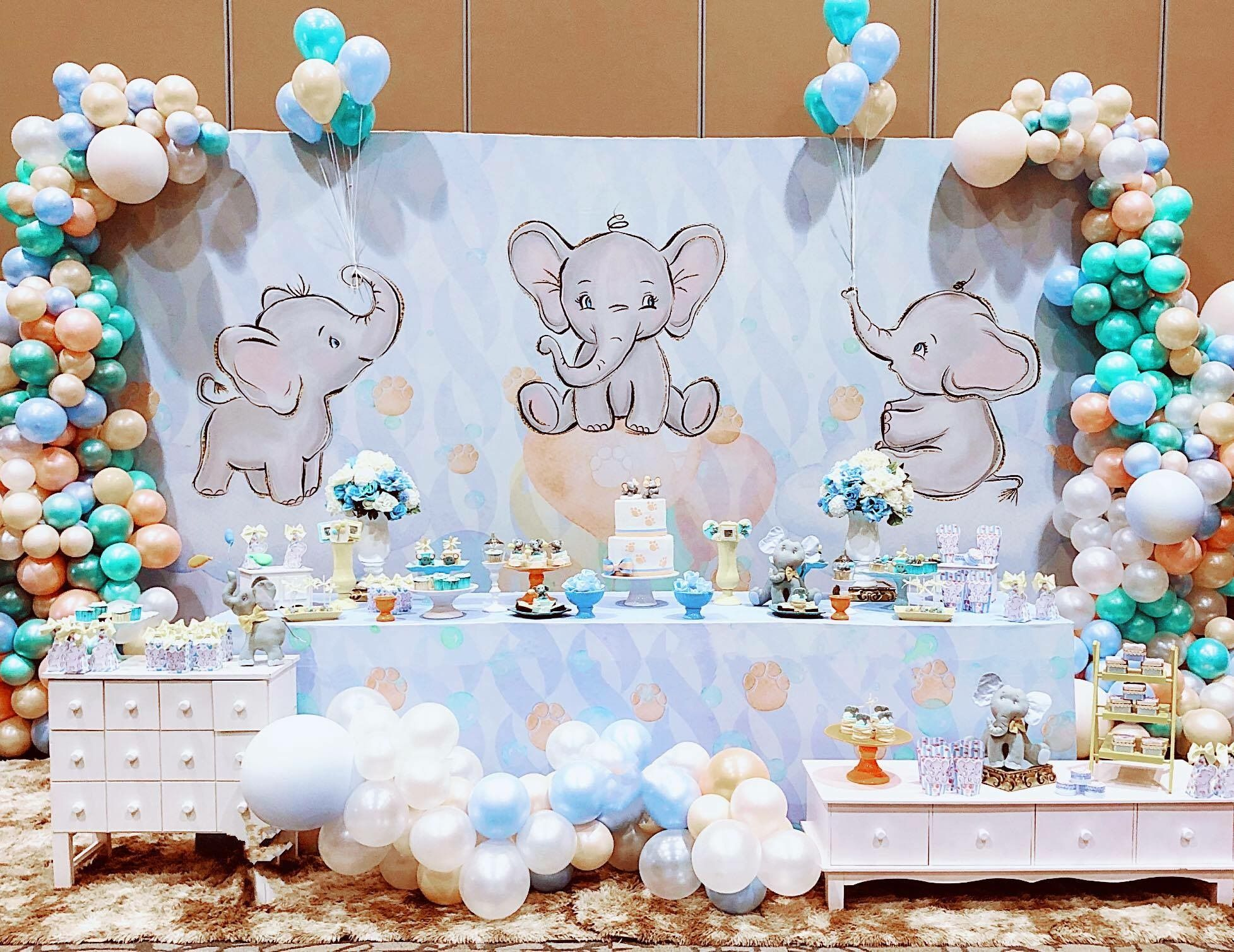 Pin By Leslie Roman On Marian Roman In 2020 Baby Shower Decorations For Boys Dumbo Baby Shower Baby Shower Balloons