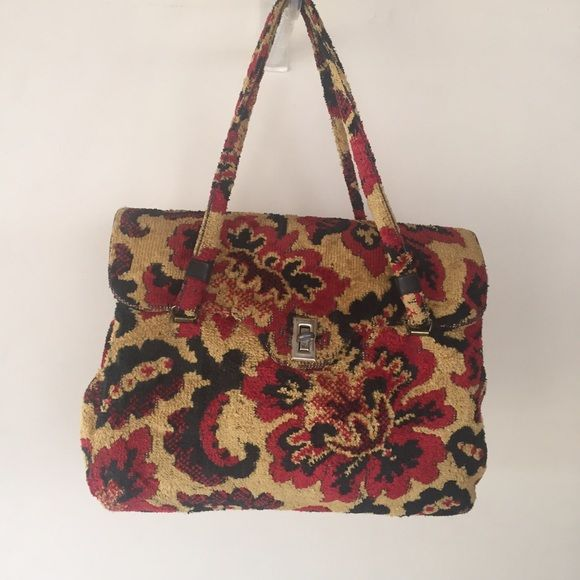 60's kismet creation handbag Beautiful vintage 60's carpet bag. Awesome texture like new made in U.S.A . It is very clean inside and has three slots. Vintage Bags