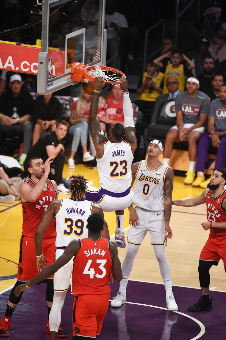 Photos Lakers Vs Raptors 11 10 19 Los Angeles Lakers Lebron James Lakers Los Angeles Lakers Nba Pictures